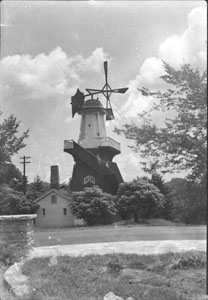 Dutch wind-mill at Shelby Park - Now burned down