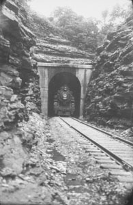 Pan-American coming thru tunnel - South Tunnel Tenn